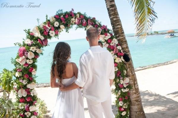 ślub na Mauritiusie łuk ślubny